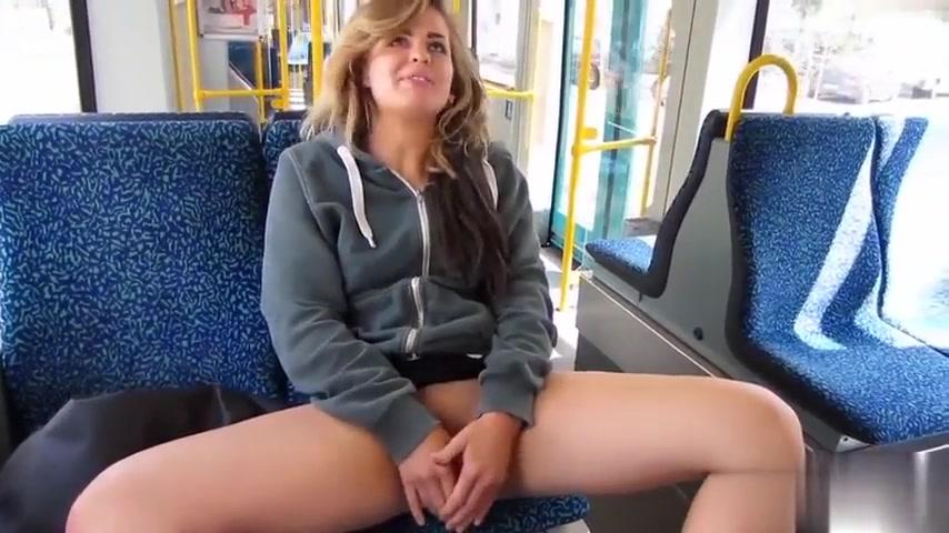 Bus frau nackt im Deutsche Frauen